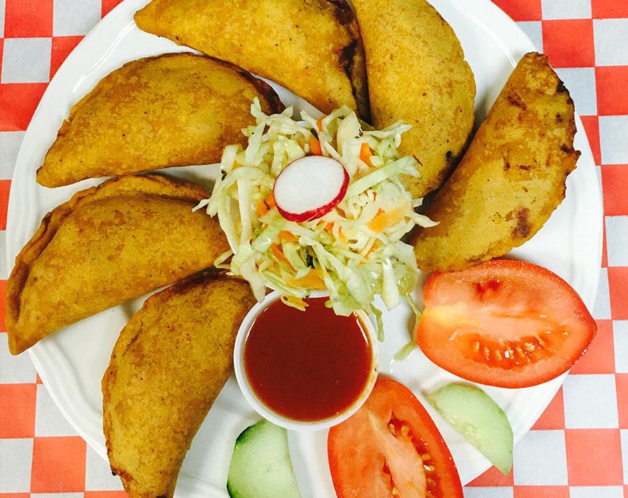 comida-restaurante-amigo-super-mercado-latino-charlottesville-va-comida-mexicana-savadorena-hondurena-fresca-empanadas-fritas